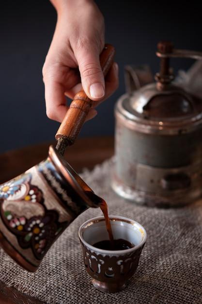 Close-up vintage coffee maker set Free Photo