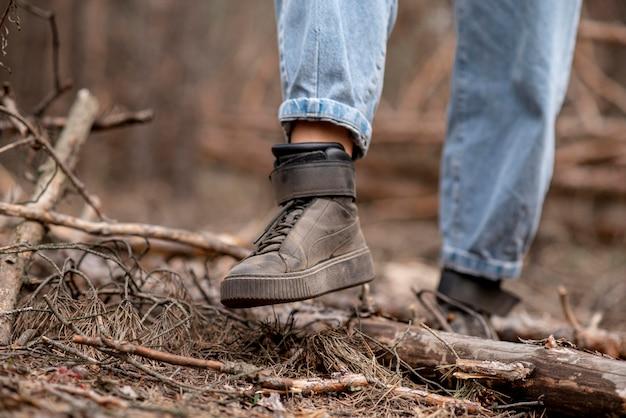 冒険のためのクローズアップの女性靴 無料写真