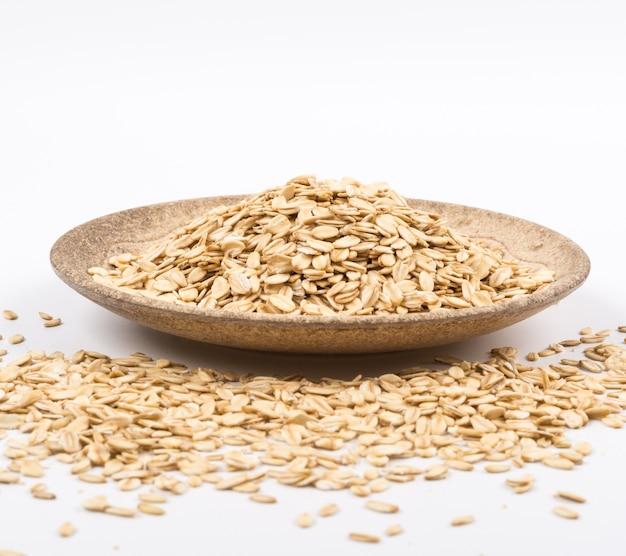Close up wooden bowl oat 1127 314