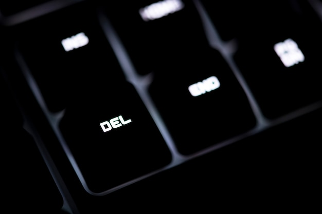 Closeup of a black computer keyboard and del button Free Photo