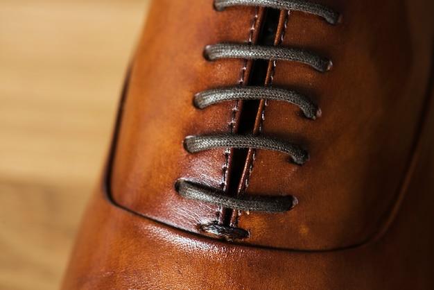 Primo piano di scarpe di cuoio Foto Gratuite