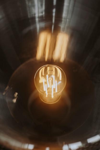 Крупный план яркой лампочки Бесплатные Фотографии