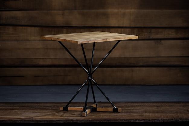 로프트 스타일 접이식 테이블의 근접 촬영 무료 사진