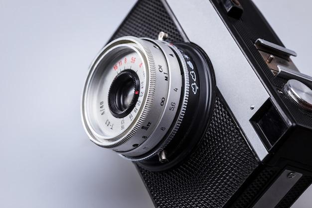 古いレトロなカメラレンズのクローズアップ 無料写真