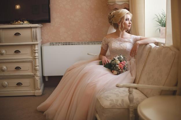 Макрофотография портрет красивой молодой невесты Premium Фотографии