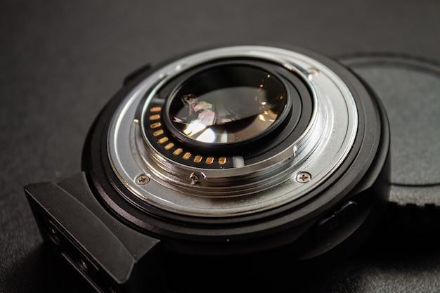 검은 카메라 렌즈의 근접 촬영 샷 무료 사진