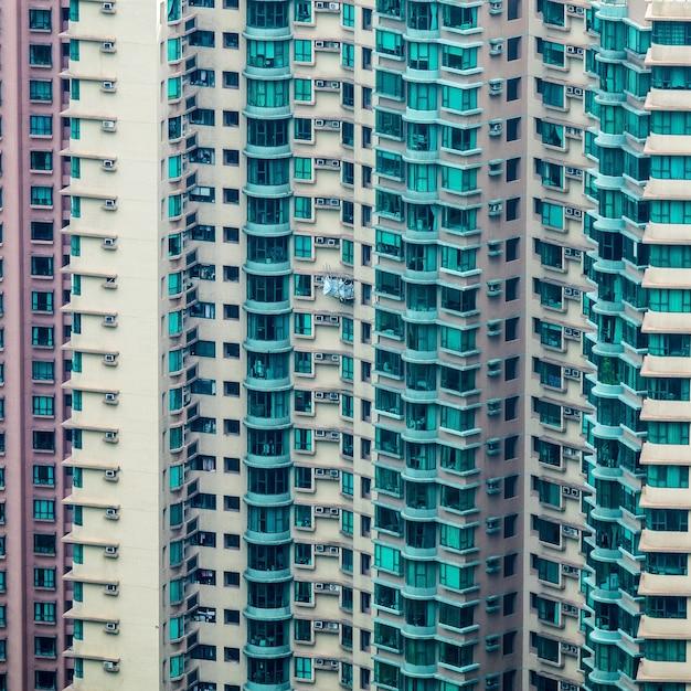 여러 아파트와 높은 주거 건물의 근접 촬영 샷 무료 사진
