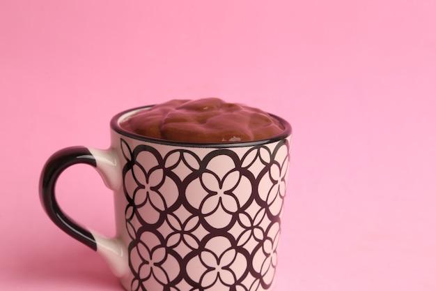 Крупным планом снимок вкусного домашнего горячего шоколада Бесплатные Фотографии
