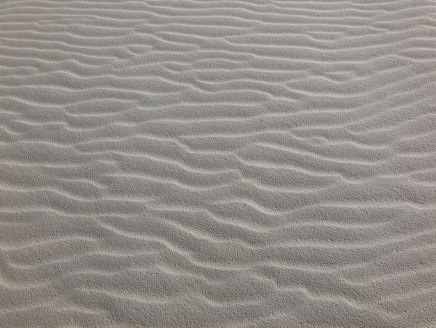 Снимок раздуваемого ветром песка в пустыне в нью-мексико крупным планом - идеально подходит для фона Бесплатные Фотографии