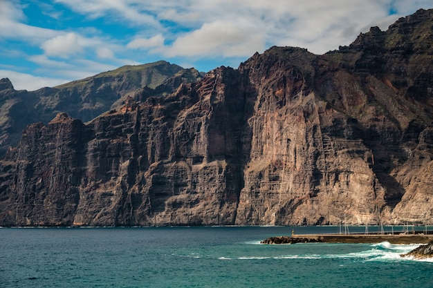 Closeup view of the cliffs of los gigantes Premium Photo