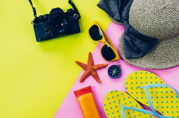 夏服用アクセサリー、多色の紙の床 Premium写真