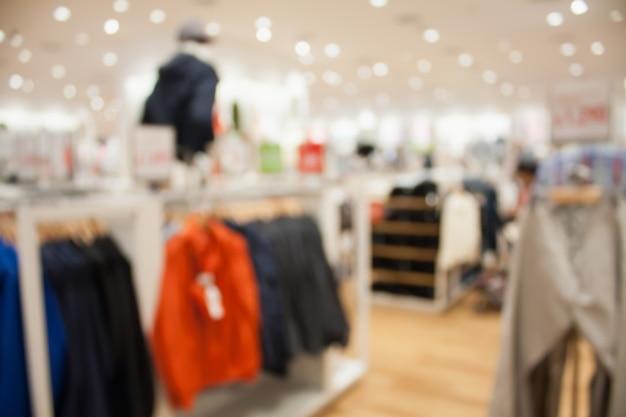 衣料品店のインテリアがぼやけている Premium写真