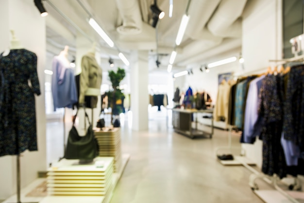 Clothing store with blurred efecto Free Photo