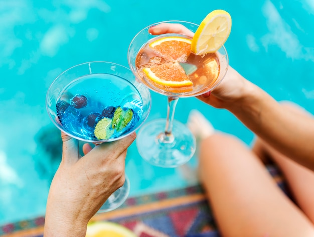 Cocktail party by the swimming pool Premium Photo