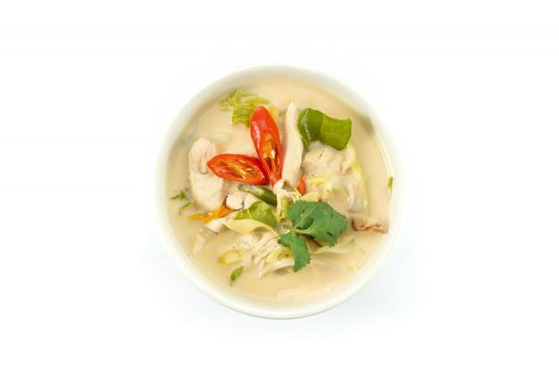 Coconut milk soup with chicken Premium Photo