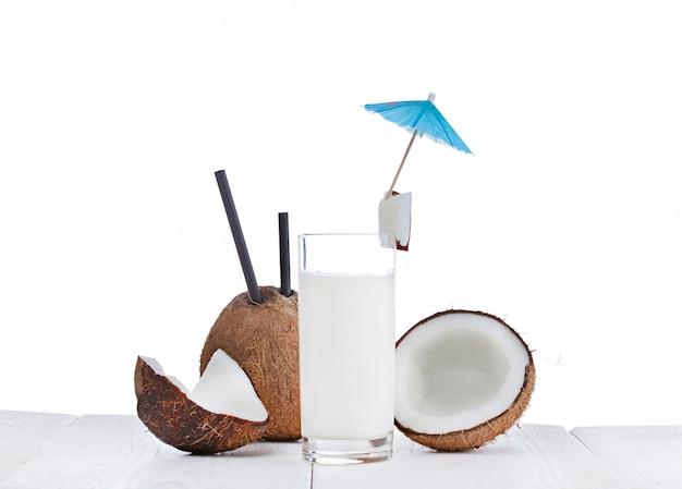 Coconut milk Premium Photo