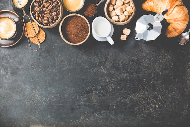 Coffee composition on dark . flat lay Premium Photo
