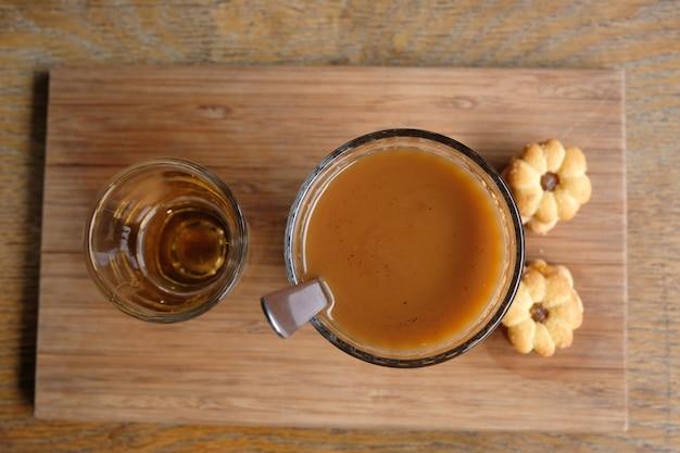 Coffee dripping in thai style Premium Photo