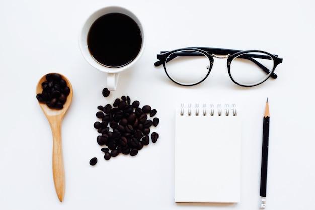 커피 정체성 브랜드 브랜딩 평면도에서 조롱. 프리미엄 사진