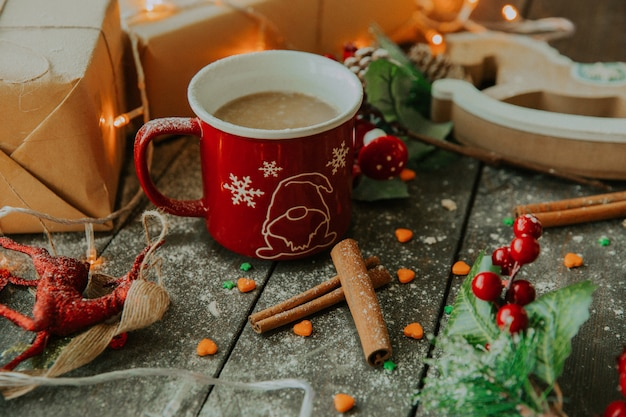 Coffee with milk and cinnamon on the table __ Free Photo