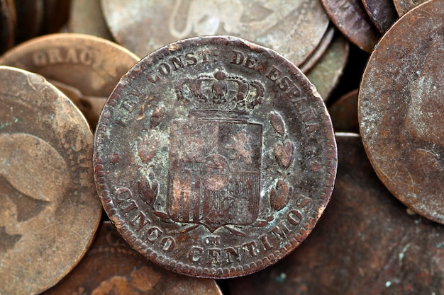 Coin peseta real old spain republic 1937 currency and cents Premium Photo
