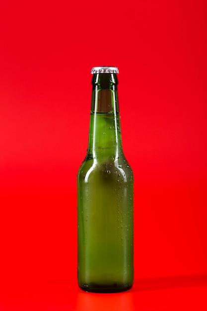 ボトルの冷たいビール Premium写真