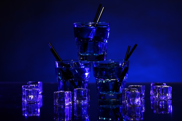 Cold blue cocktail Free Photo