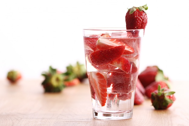 Cold drink with strawberries Free Photo