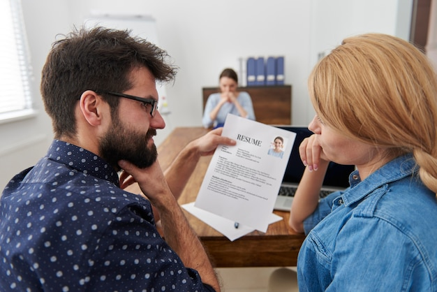 Colleagues interviewing to a new candidate. job interview concept Free Photo