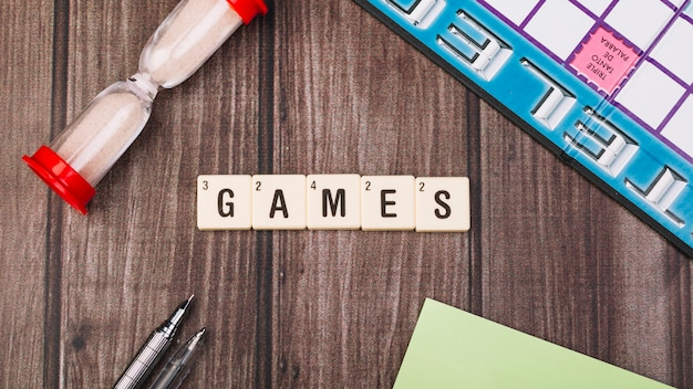 Collection of cubes with games title Free Photo