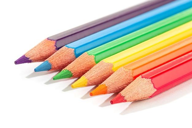分離された色鉛筆。レインボーlgbtq色鉛筆。 Premium写真