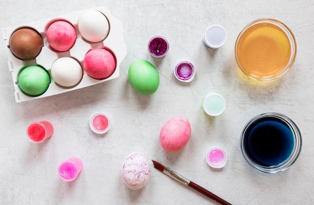 착 색된 부활절 달걀 평면도 무료 사진