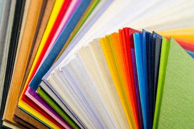 Цветная бумага Premium Фотографии