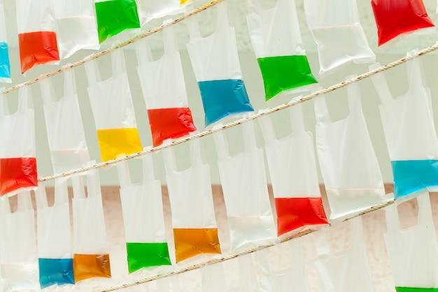 Красочные сумки красочной воды Premium Фотографии