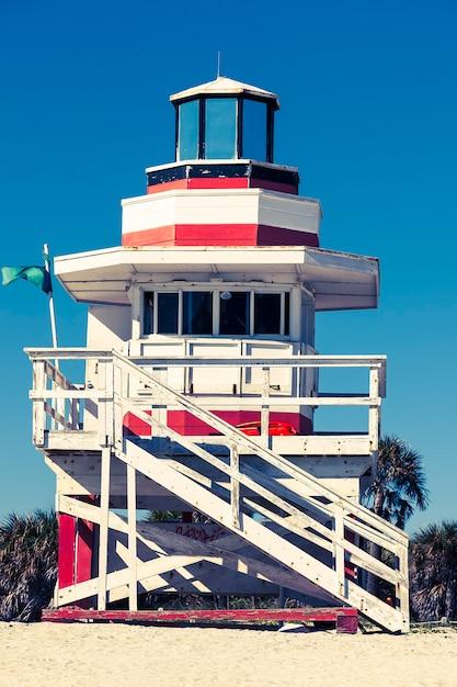 Красочная башня спасателей в саут-бич, майами-бич, флорида Бесплатные Фотографии