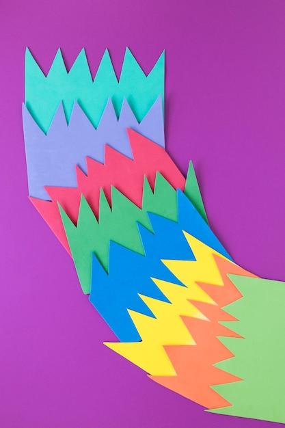 Цветная бумага с отчетом об экономике Бесплатные Фотографии