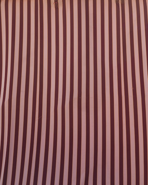 Colorful pattern with red and pink stripes Free Photo