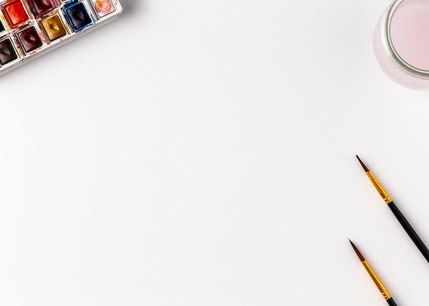 Concetto di matite colorate con spazio di copia Foto Gratuite