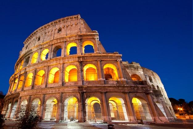 Colosseum dome рим италия Premium Фотографии