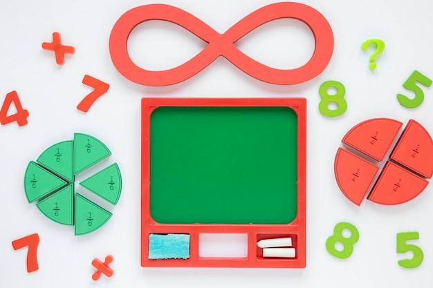 Numeri matematici colorati e numeri infiniti con frazioni Foto Gratuite