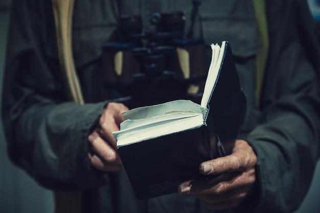 Communism man reading old book Premium Photo