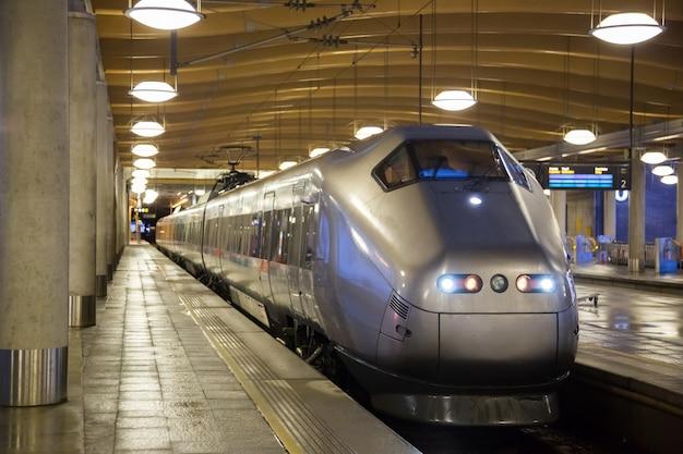 Commuter train oslo Premium Photo