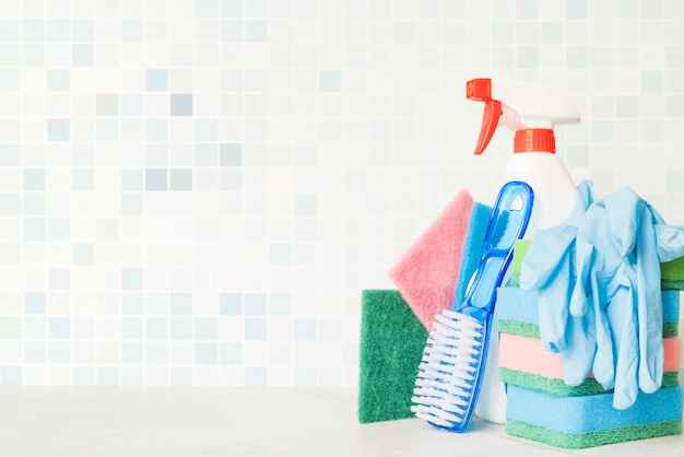 Composition of cleaning objects with copyspace Free Photo