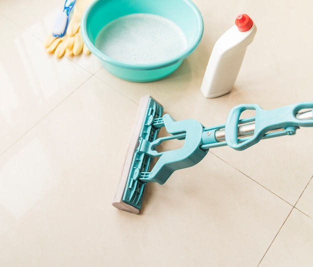 Composition of cleaning objects Free Photo