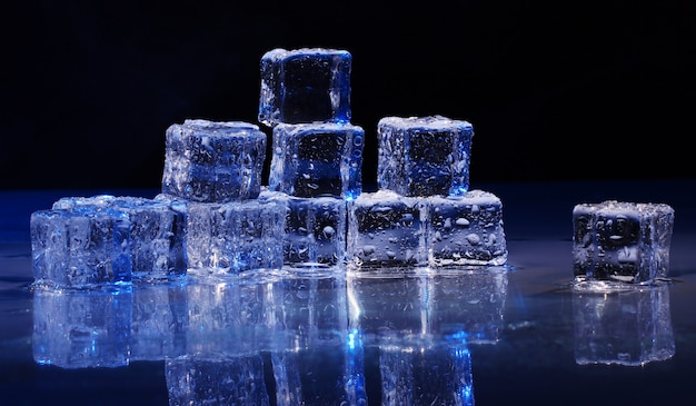 Composition of ice cubes Free Photo