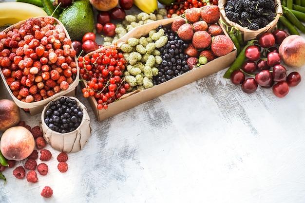 さまざまな果物の組成 Premium写真