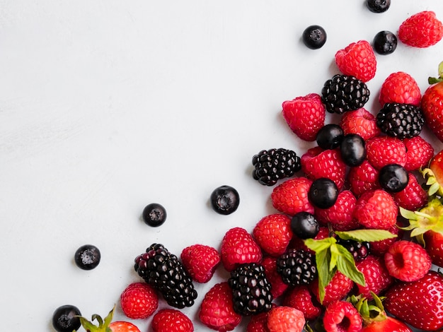 Composition of various berries Premium Photo