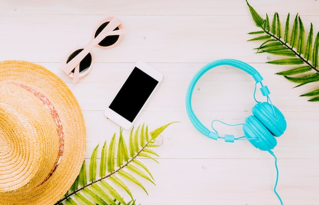 Composition with summer objects on light background Free Photo