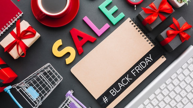 Concept of sale with notebook mock-up Free Photo