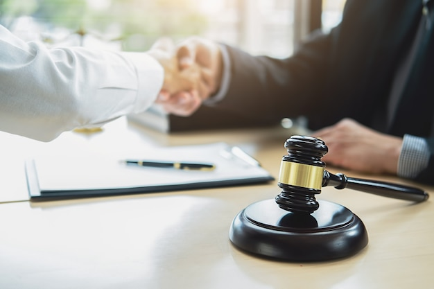 Concepts of law and legal services Premium Photo